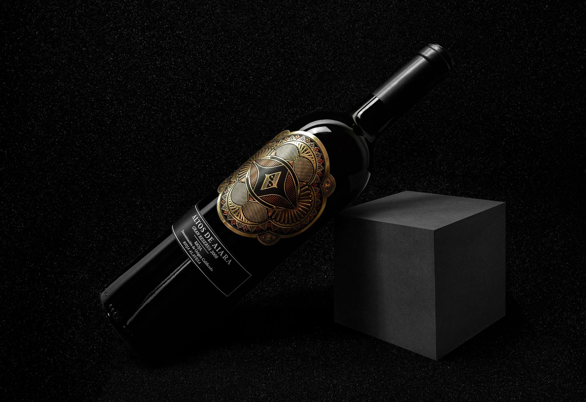 Fotografía del diseño de la etiqueta de vino gran reserva Altos de Aiara, La guardia