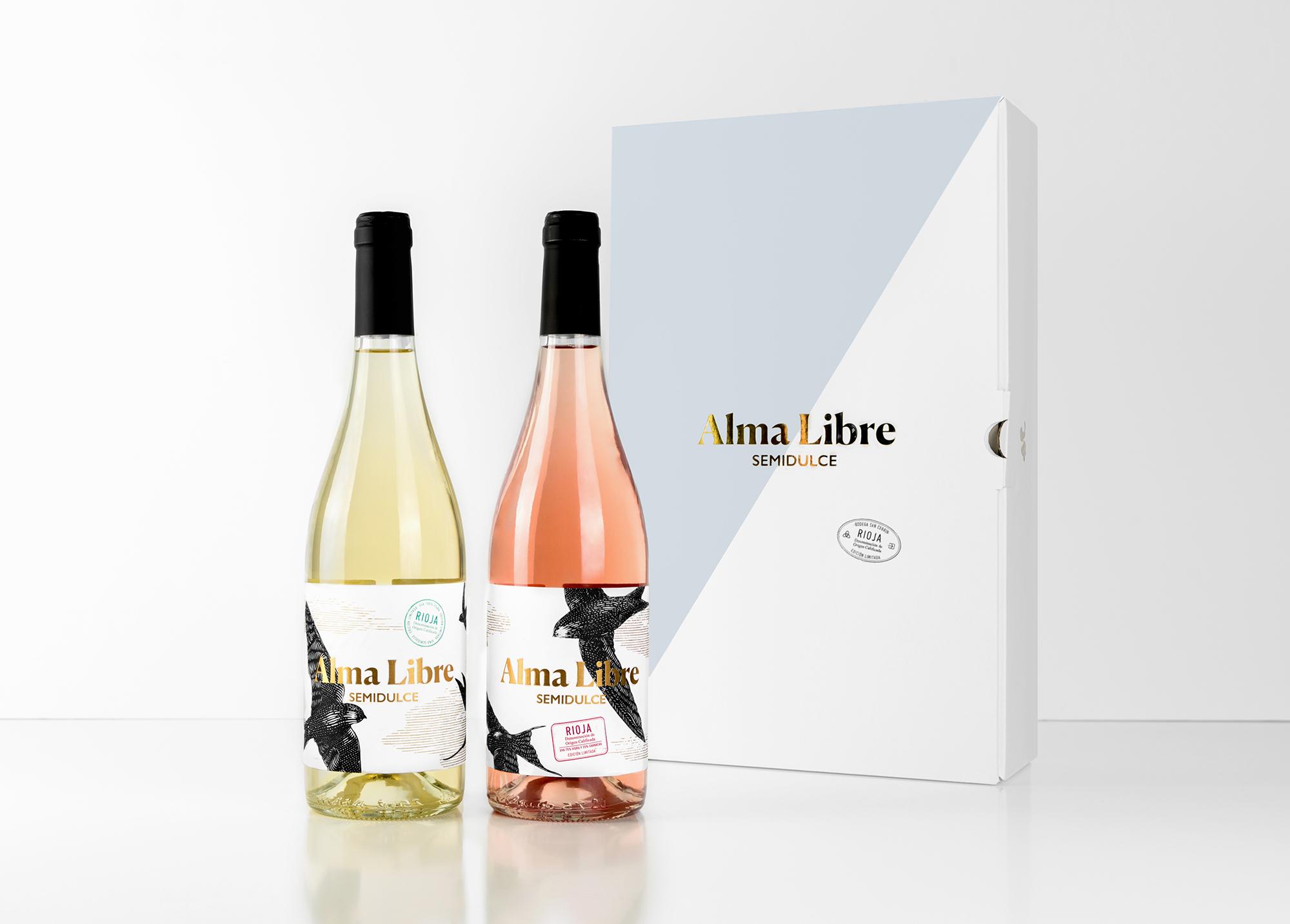 Fotografía y diseño de caja y botella Alma Libre.