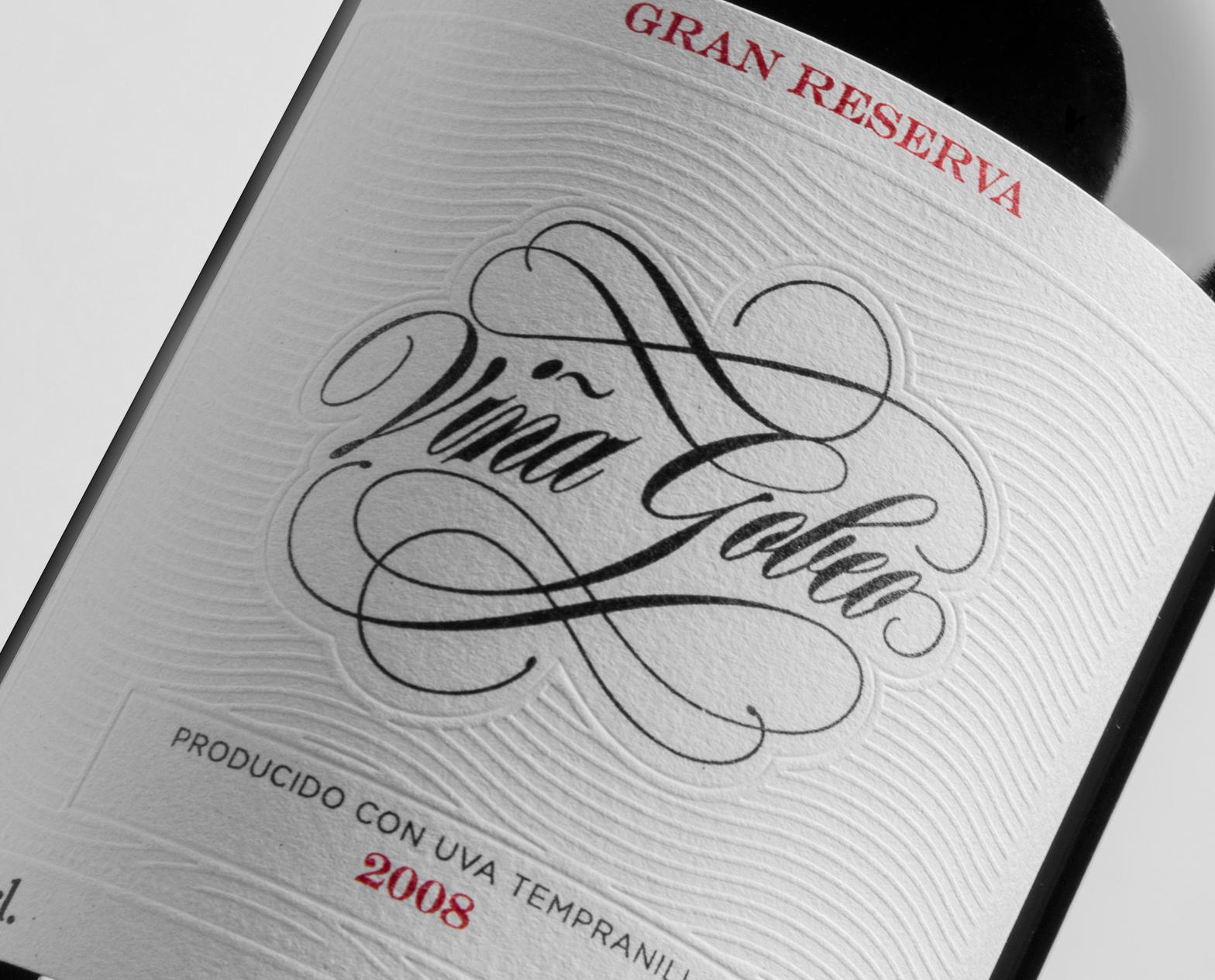Diseño de etiqueta de vino y fotografía del Vino Gran Reserva Viña Gobeo