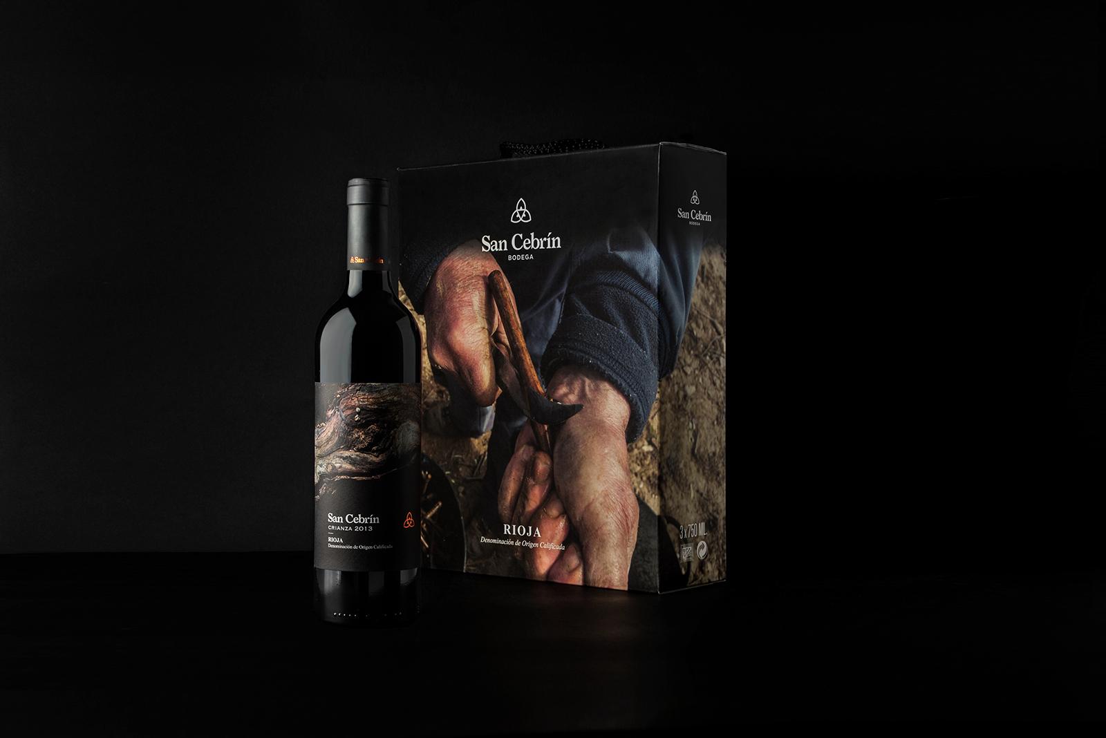 Diseño packaging botella y caja vino. SC crianza